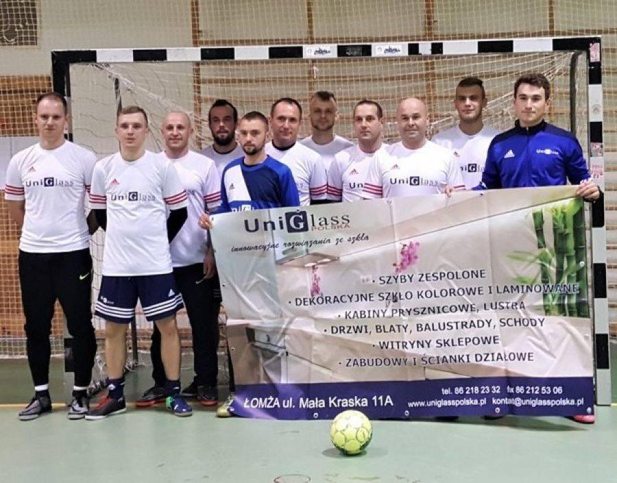 Sport, UniGlass zwyciężył Halowym Turnieju MOSiR [FOTO] - zdjęcie, fotografia