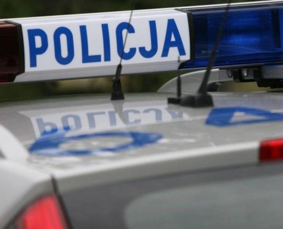 Kronika kryminalna, Spał kierownicą środku drogi - zdjęcie, fotografia
