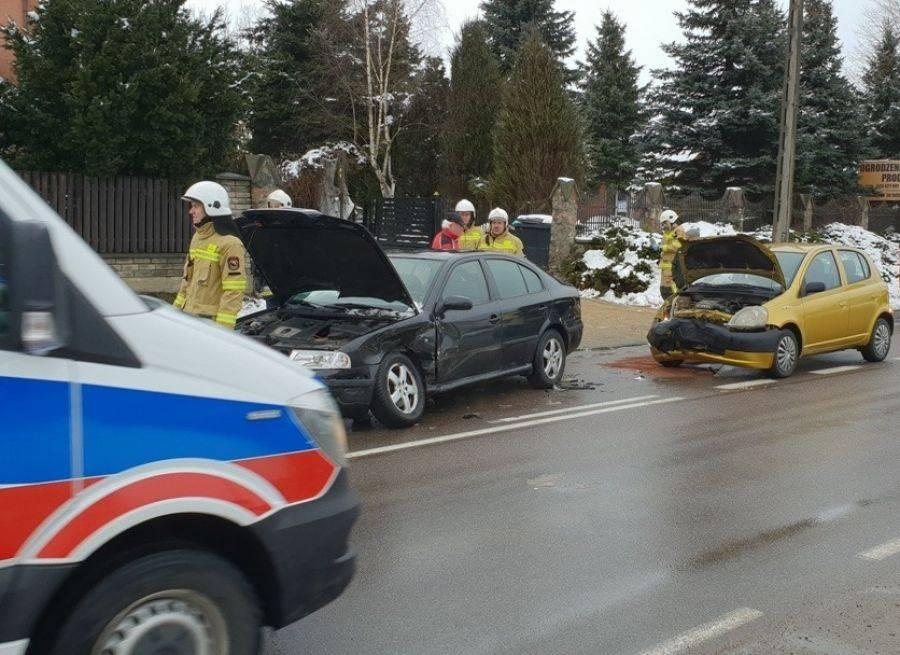 Wypadki drogowe, Utrudnienia ruchu zderzeniu Konarzycach [FOTO] - zdjęcie, fotografia