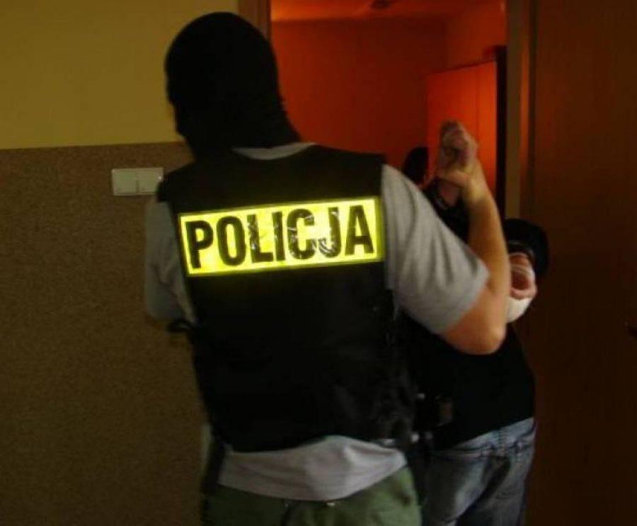 Kronika kryminalna, Młodzi rozbójnicy zatrzymani - zdjęcie, fotografia