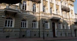 Łomża: Stanęli przed sądem za sprzedaż podróbek