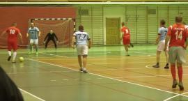 Piłkarze halowi zbliżają się do fazy pucharowej [VIDEO]