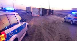 Ciężarówka blokuje S8. Policja wyznaczyła objazdy [FOTO]