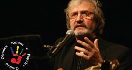 GOK Piątnica: Zapraszamy na satyryczny program Krzysztofa Daukszewicza