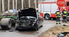 Zbójna: Audi zderzyło się z ciężarówką. Dwie osoby trafiły do szpitala [FOTO]