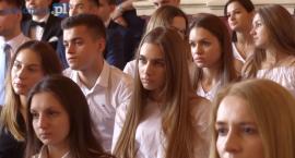 Łomża: Klasy maturalne II LO zakończyły rok szkolny [VIDEO]