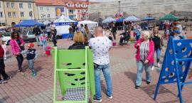 Cyrkowe sztuczki na Starym Rynku w Łomży [VIDEO i FOTO]