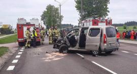 Kierowcy i dzieci trafili do szpitali! Wypadek na DK61 [FOTO]