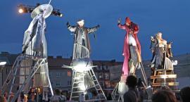 Walizka 2019: Władcy i celebryci w centrum Łomży [VIDEO i FOTO]