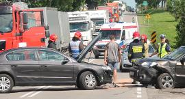 Trzy osoby w szpitalu po wypadku na trasie Łomża – Zambrów. Droga zablokowana! [FOTO]