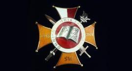 Dyrektor więzienia z orderem św. Pawła Apostoła