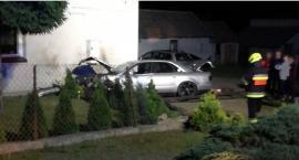 Auto uderzyło w dom. Kierowca próbował popełnić samobójstwo [FOTO]