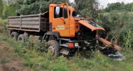 Wypadł z ciężarówki! 48-latek poniósł śmierć na miejscu [FOTO]