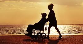 500+: Niezdolność do samodzielnej egzystencji, a niepełnosprawność