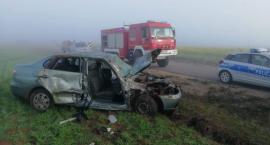 Jazda we mgle jest niebezpieczna. 5 osób szpitalu po wypadku w regionie