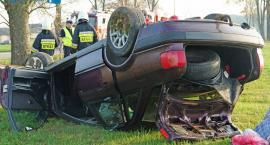 Samochód dachował, kierowca pijany!