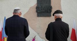 Łomża: Uczcili pamięć pomordowanych Żydów [FOTO]