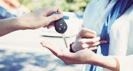 Wybieramy firmowy samochód – jak to zrobić?