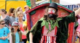 Świat cyrku i teatru na Starym Rynku [FOTO]