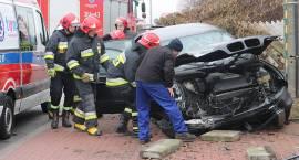 BMW rozbiło się na Sikorskiego [FOTO]