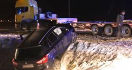 Zablokowana droga po wypadku w Drogoszewie [FOTO]