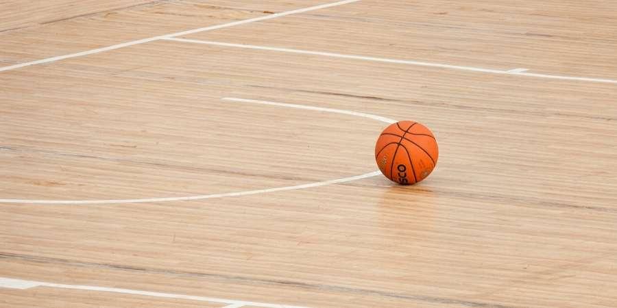 SPORT, WOŚP kontra Basket meczu charytatywnym - zdjęcie, fotografia