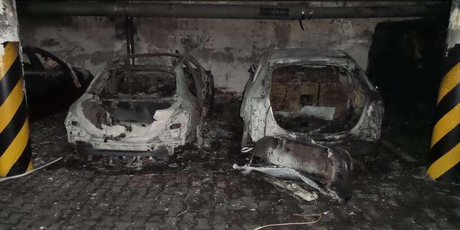 POŻARY, Pożar garażu podziemnym Ewakuowano osób [ZDJĘCIA] - zdjęcie, fotografia