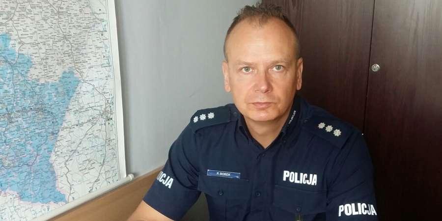 POSZUKIWANI I ZAGINIENI, Policjant służbie zatrzymał poszukiwanego - zdjęcie, fotografia