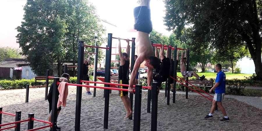 SPORT, sobie wycisk! Otwarty trening Street Workout Piła [VIDEO] - zdjęcie, fotografia