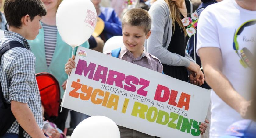 """WYDARZENIA, """"Polska Rodziną Silna!"""" niedzielę Marsz Życia Rodziny - zdjęcie, fotografia"""
