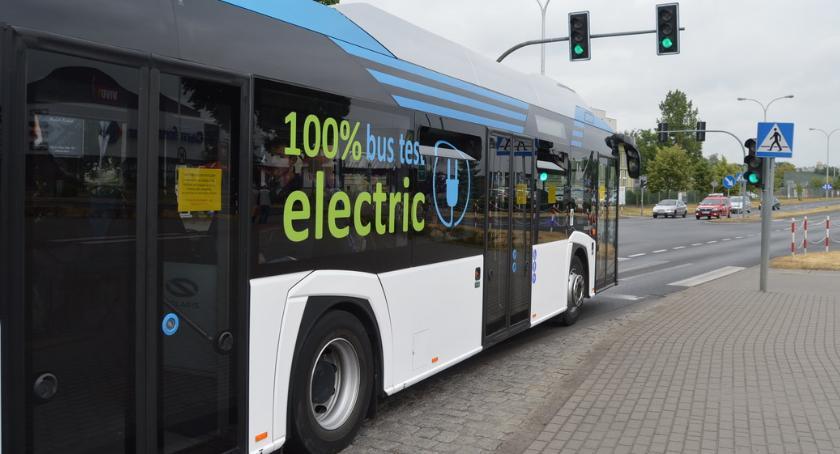 KOMUNIKACJA, testuje autobus elektryczny przymierza zakupów - zdjęcie, fotografia