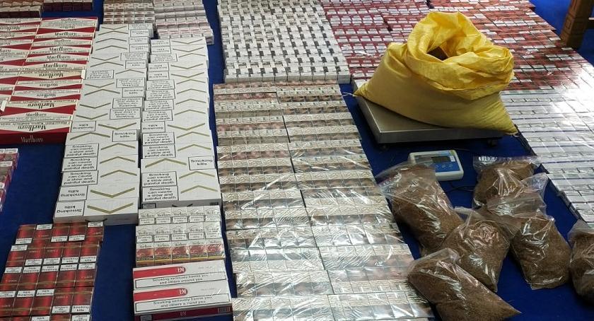 POLICJA, Nielegalne papierosy alkohol duża gotówka Policja zatrzymała osoby [ZDJĘCIA] - zdjęcie, fotografia