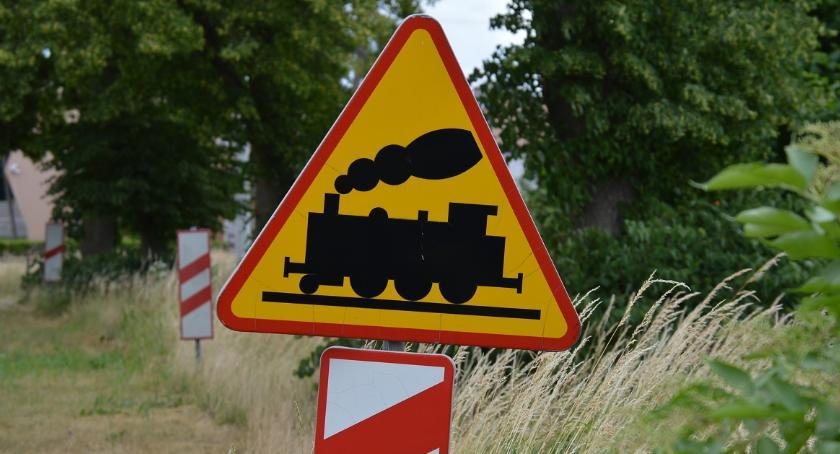 KOMUNIKACJA, Utrudnienia przejazdach kolejowych Uwaga kierowcy pasażerowie - zdjęcie, fotografia