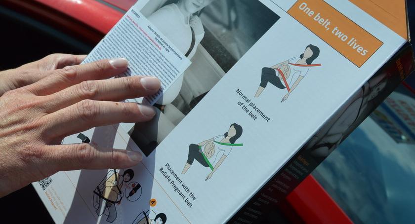 STRAŻ MIEJSKA, Straż Miejska udostępnia specjalne adaptery pasów bezpieczeństwa przyszłych - zdjęcie, fotografia