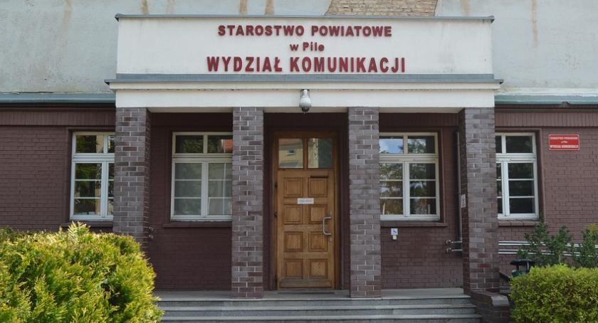 PIŁA, Wydziału Komunikacji stania kolejce Rusza internetowa rezerwacja - zdjęcie, fotografia