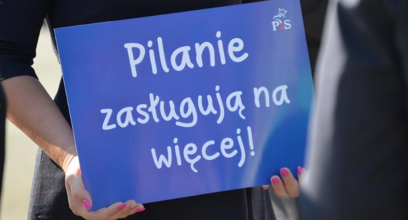 """WYBORY 2018, rozpoczyna kampanię """"Pilanie zasługują więcej"""" - zdjęcie, fotografia"""