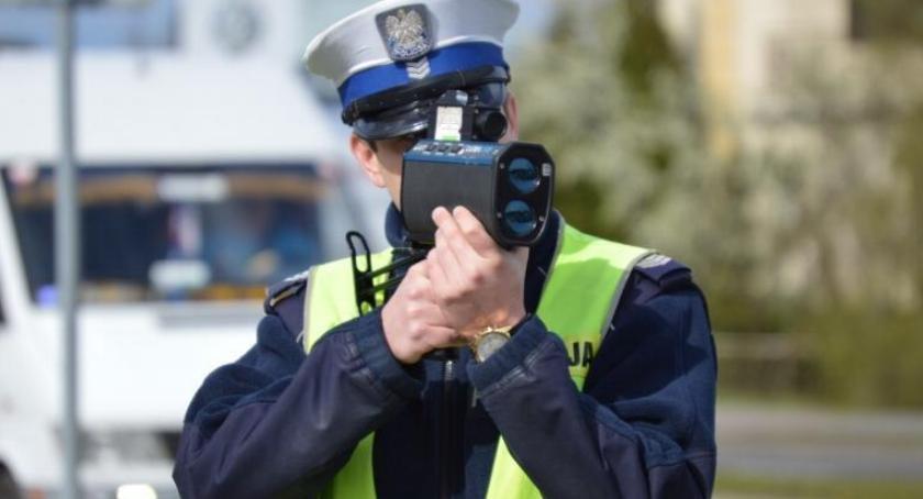 POLICJA, Ponad kierowców złapanych radar Posypały mandaty prędkość - zdjęcie, fotografia