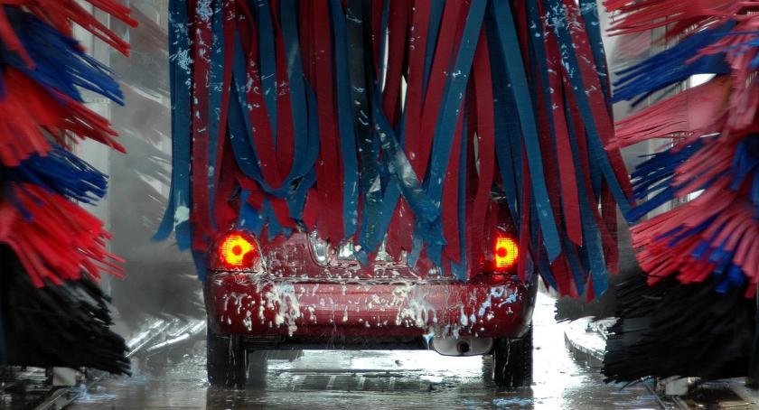 POLICJA, latek okradał myjnie samochodowe - zdjęcie, fotografia