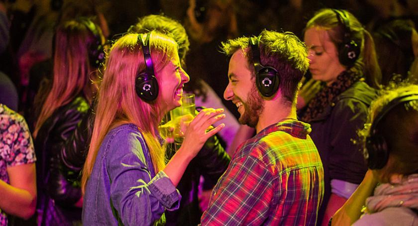IMPREZY, Impreza słuchawkach Rozdajemy wejściówki Silent Disco Rockopolis - zdjęcie, fotografia
