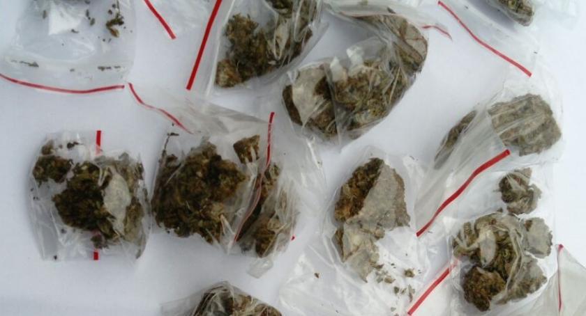 """NARKOTYKI, Narkotykowe """"żniwa"""" Policjanci zatrzymali sześć osób - zdjęcie, fotografia"""