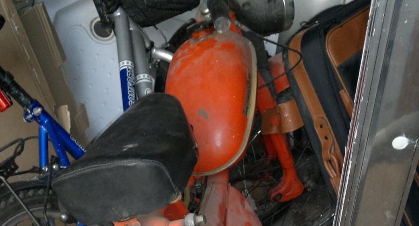 POLICJA, Wpadł złodziejski Ukradli motorower kiełbasę - zdjęcie, fotografia