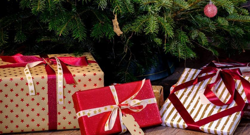 BIZNES I PRACA, Drogie święta pieniędzy wydasz prezenty [sondaŻP] - zdjęcie, fotografia
