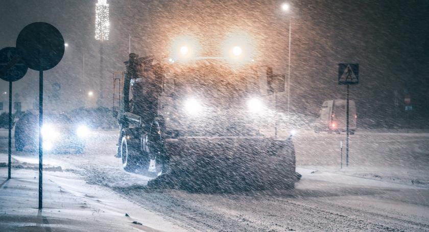 KOMUNIKACJA, Spadnie śnieg Służby drogowe zapewniają swojej gotowości - zdjęcie, fotografia