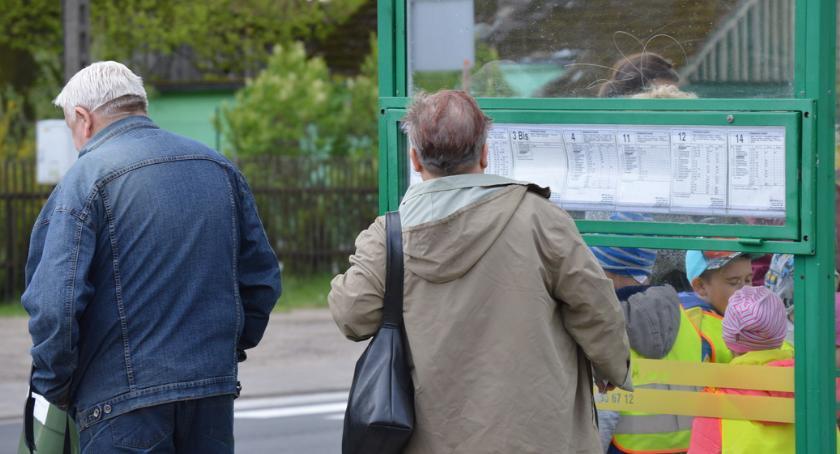 KOMUNIKACJA, święta Zmiany rozkładzie jazdy - zdjęcie, fotografia