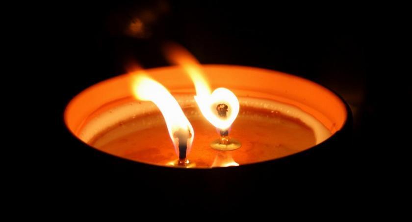 PIŁA, niedzielę żałoba narodowa - zdjęcie, fotografia