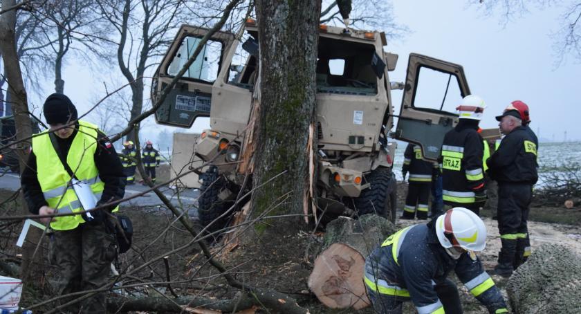 WYPADKI, Wypadek amerykańskich żołnierzy Piłą [ZDJĘCIA] - zdjęcie, fotografia