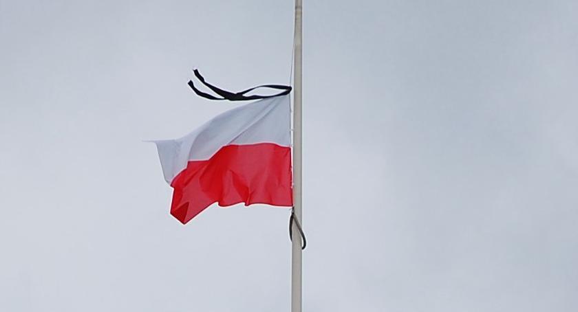 ŚMIERĆ PAWŁA ADAMOWICZA, Żałoba narodowa piątku - zdjęcie, fotografia