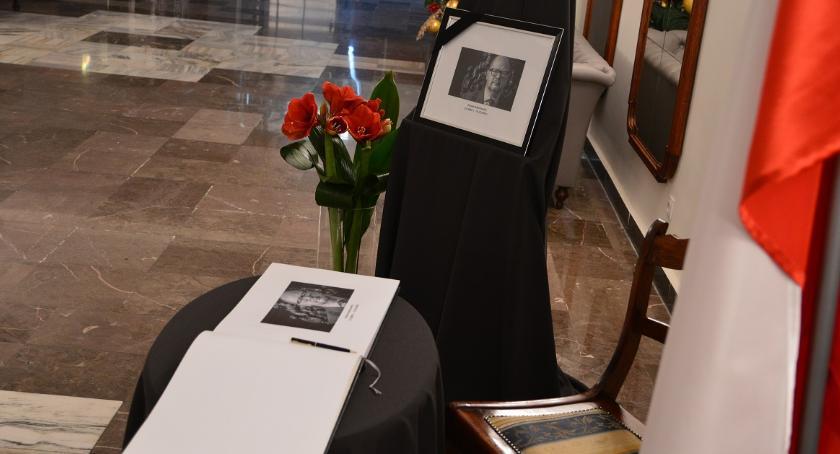 ŚMIERĆ PAWŁA ADAMOWICZA, śmierci Pawła Adamowicza Księga kondolencyjna - zdjęcie, fotografia