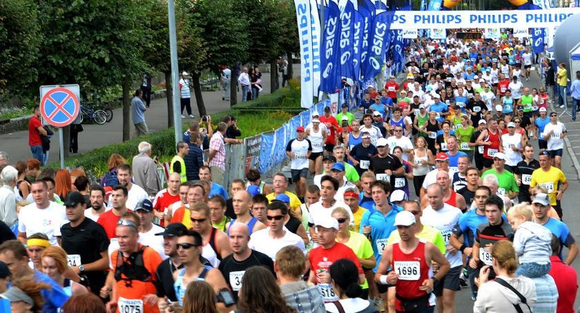 BIEGI, Ruszyły elektroniczne zapisy Półmaratonu Philipsa - zdjęcie, fotografia