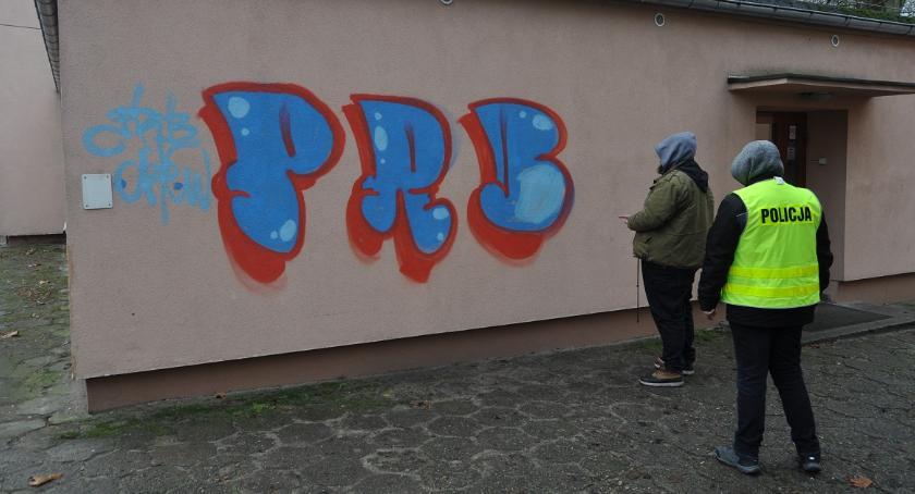 """POLICJA, """"Grafficiarz"""" wandal zatrzymany - zdjęcie, fotografia"""